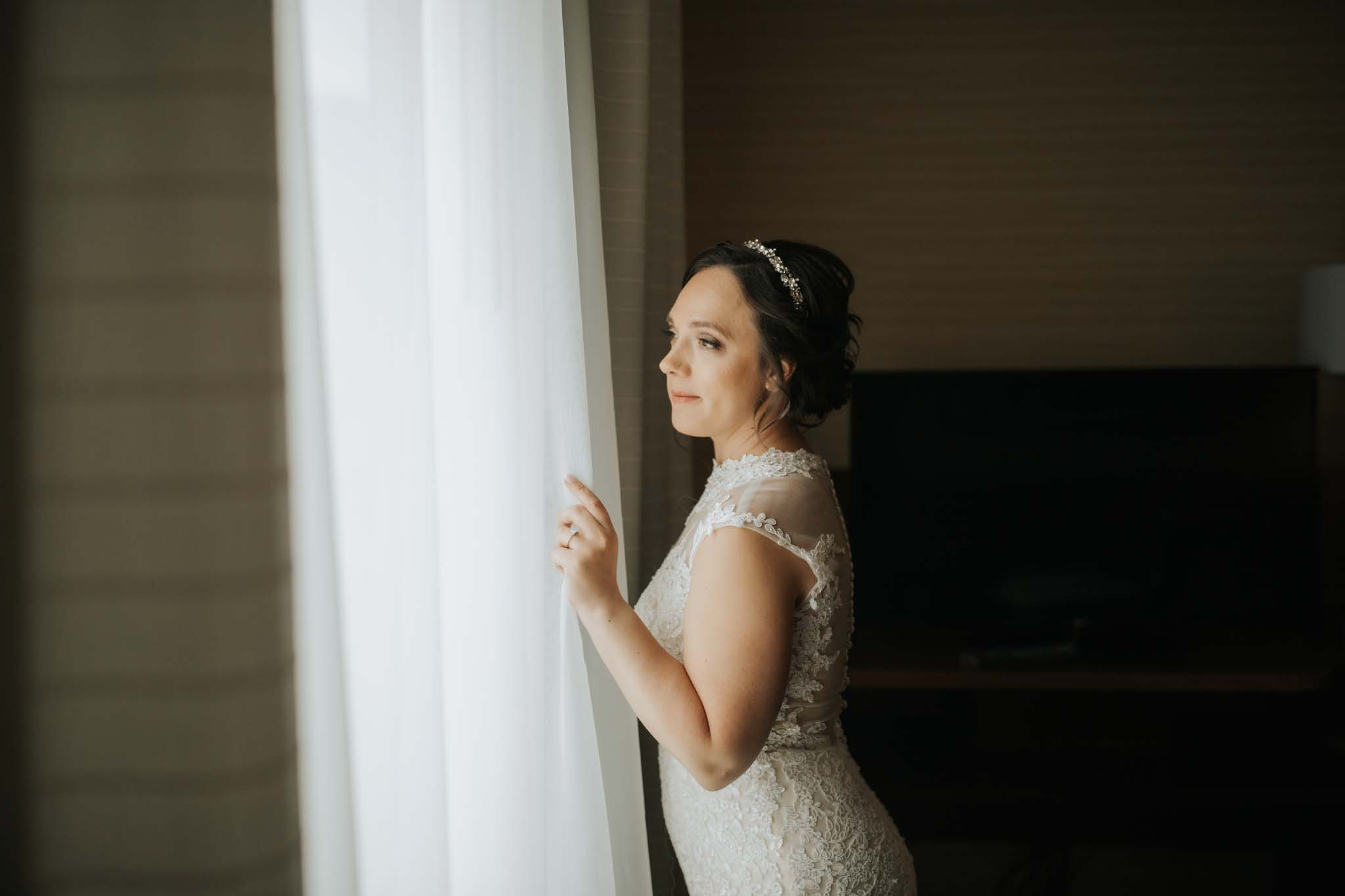 Wegerzyn Gardens, Photo session, Wedding, Outdoor, Bride and Groom, Dayton, Ohio, Photography, Photographer, Double tree, Hilton, Hotel, Getting ready